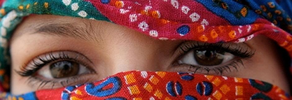Hypnose-Anästhesie völlige Unempfindlichkeit gegen Schmerz-, Temperatur- und Berührungsreize, das heisst, den Organismus dazu zu bringen, erzeugten Schmerz nicht zu spüren, die Schmerzleitung wird unterbrochen.