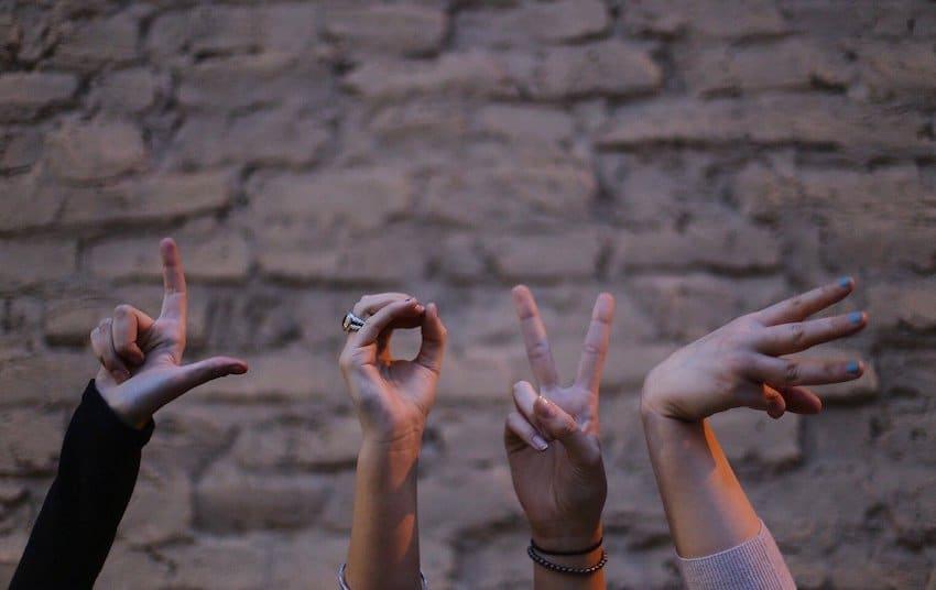 Nonverbale Zeichensprache - was ist eine Suggestion
